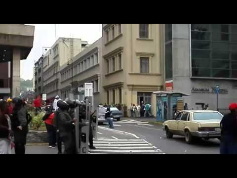 Choques entre chavistas y oposición en Venezuela
