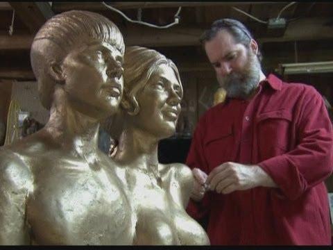 Justin Bieber And Selena Gomez Nude Statue video