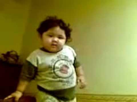 VIDEO COMEL - Budak Comel Marah Gambar Dirakam Sampai Terjatuh.mp4