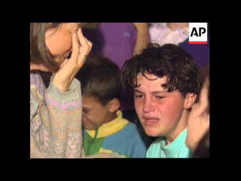 BOSNIA: SARAJEVO: TWO KILLED AS SHELLING CONTINUES