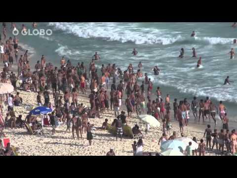 Rio, feriado de sol, praia , violência e arrastões. 20/nov/2013