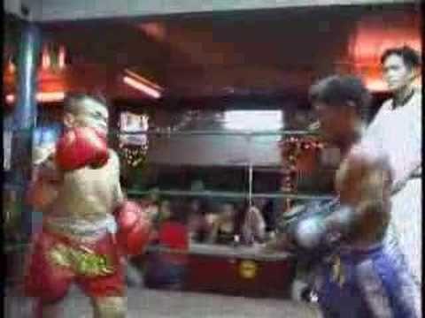 Boxing midgets kick