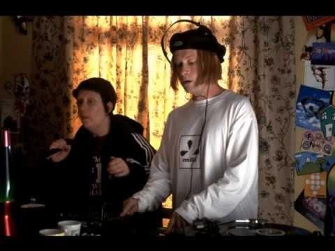 Kevin & Perry Go Large klub Sráčů Soundtrack - Ethnic Majority video