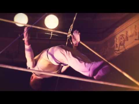 Гимнасты на турниках Magola art