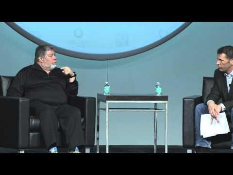Apple legend Steve Wozniak speaks at Percona Live 2015
