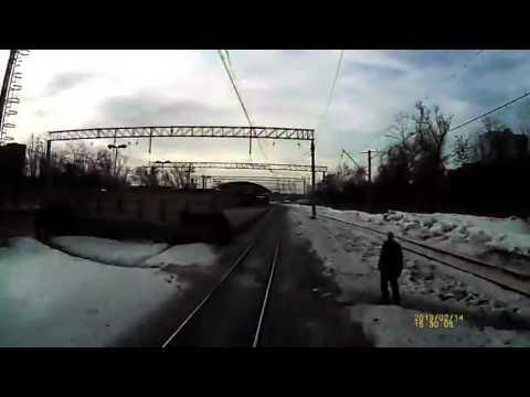 Как и почему поезда сбивают людей на путях.,будьте внимательны
