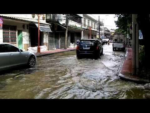 バンコク 洪水 ヤワラー付近 4.MP4