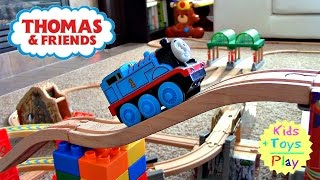 Wooden Thomas the Tank Engine Railway | Train Toys [Brio World]
