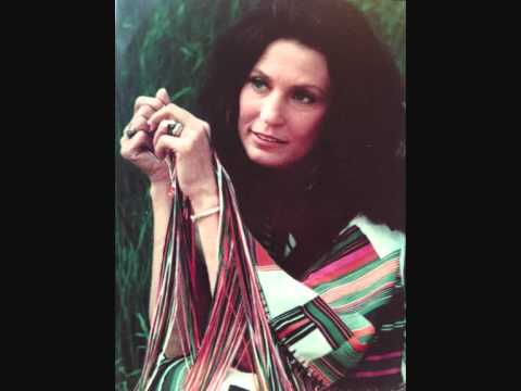 Loretta Lynn - If You Love Me (Let Me Know)