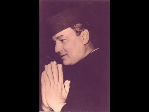 Mujhko Is Raat Ki Tanhai - Dil Bhi Tera Hum Bhi Tere (1960) - Mukesh - A Tribute - Amitabh video
