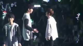 Download Lagu EXO ChanSoo Moment D.O. & Chanyeol SOME~ Gratis STAFABAND