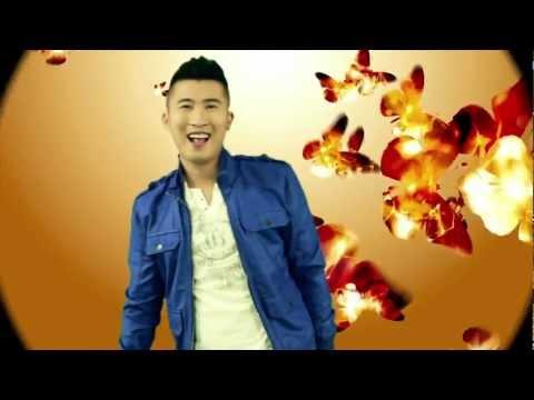 Kìa Con Bướm Vàng - Phong Lê & Dj Kanny Fresh (official Video 2012) video