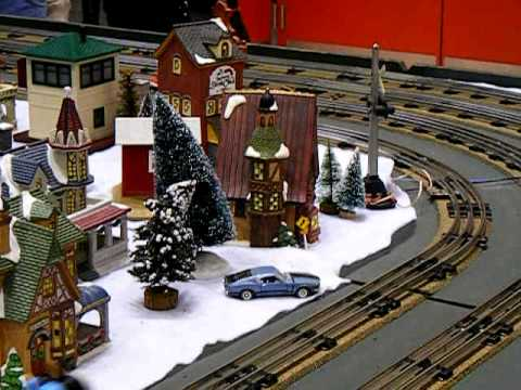 Lionel Trains at the Christmas Show 12/13/09 Video