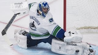 #ThrowbackThursday: Top 5 Luongo Saves as a Canuck