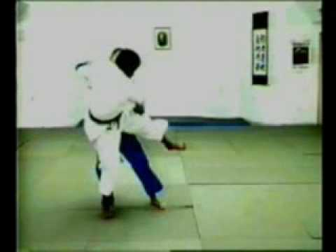 O-guruma judo throw Image 1