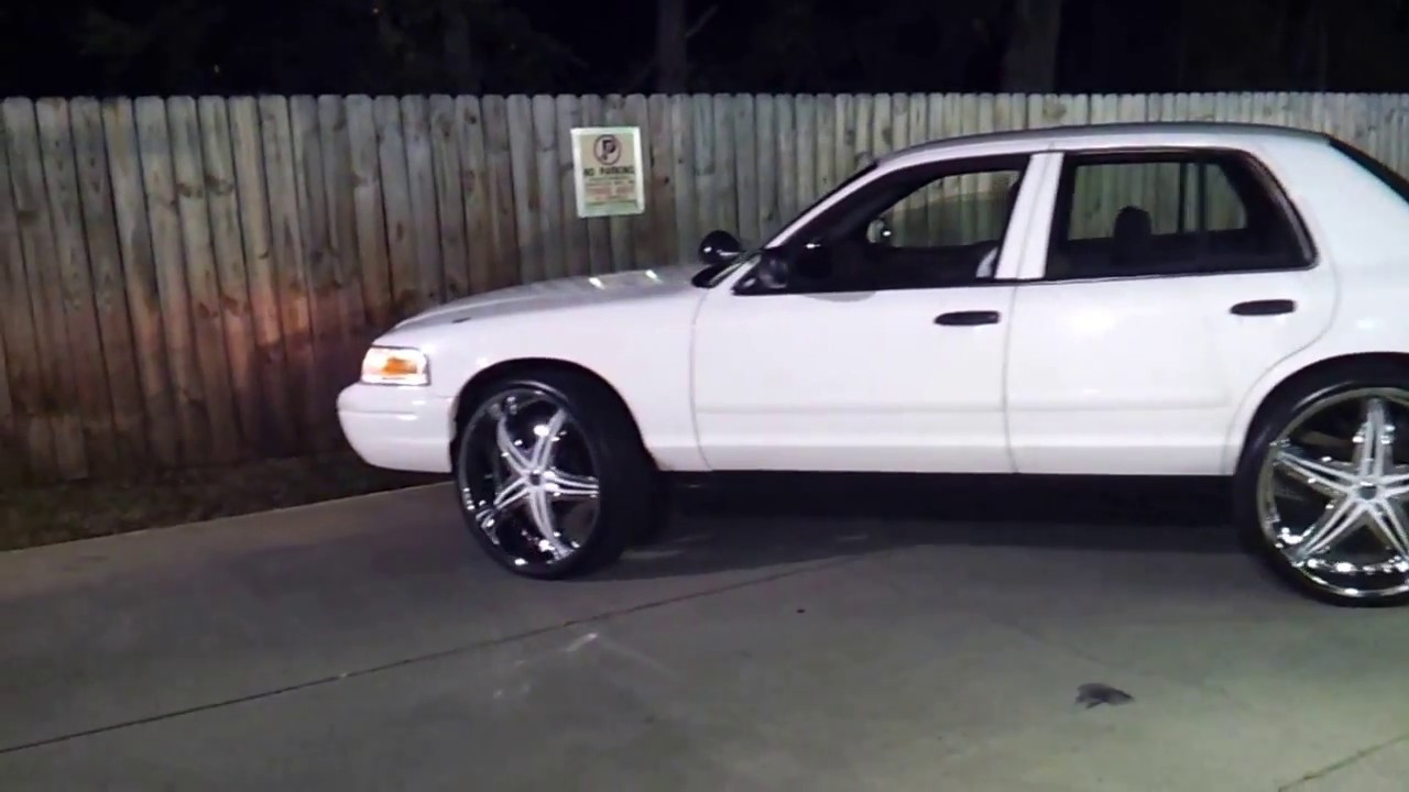 Crown Vic On 26s Youtube