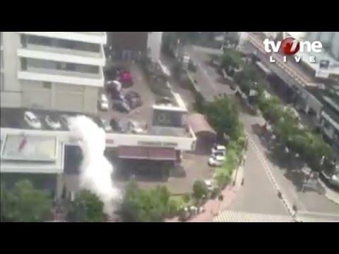 Explosion rocks downtown Jakarta