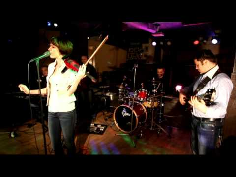 Kate & The Band covering The Corrs (Breathless)