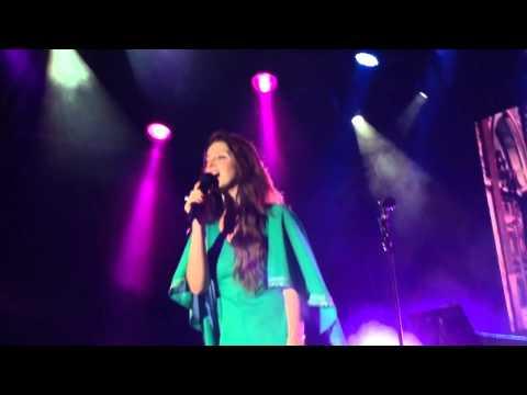 Lana Del Rey - Born To Die (Live in Barcelona, Vida Festival)