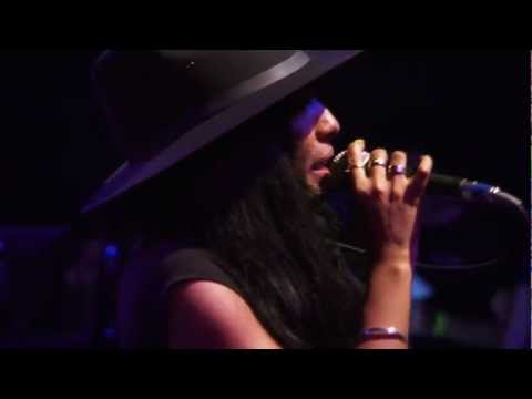 Wynter Gordon - dirty Talk (live At Perez Hilton's Sxsw 2013 Party) video