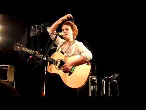 Wallis Bird - New Stuff and Wonderwall ;)