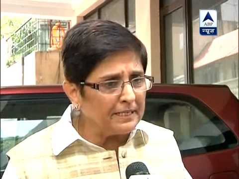 Ex-Team Anna rift widens as Kiran Bedi continues to back BJP ‎