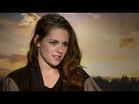 Kristen Stewart Talks Twist Ending & Vampire Transformation - Breaking Dawn Part 2 Junket Interview
