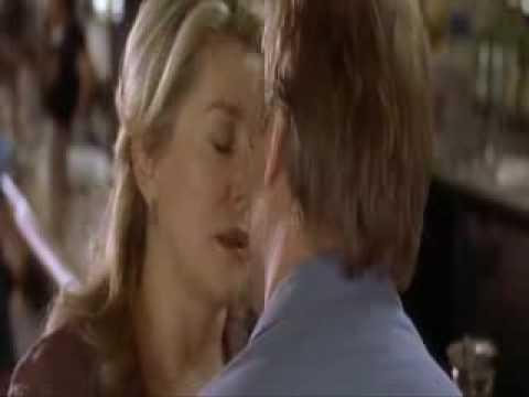 Catherine Deneuve and Willam Hurt love scene in french