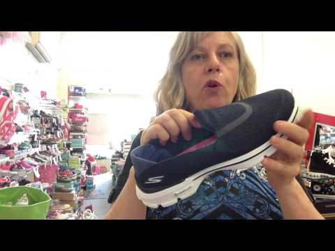 What's the difference between Skechers Gowalk 2 and Go Walk 3