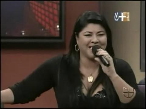 Don Francisco y la dama de las mil voces como Ana Gabriel y Vicky Carr