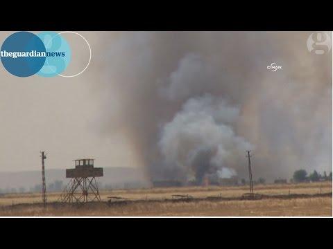 Isis attacks Kobani as residents flee Syrian border town