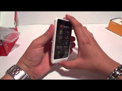 Unboxing Motorola RAZR D1 XT914