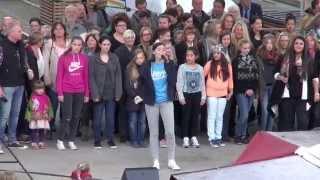 Mick Jackson and flashmob in Hameln