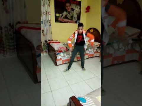 رقص طفل صغير thumbnail