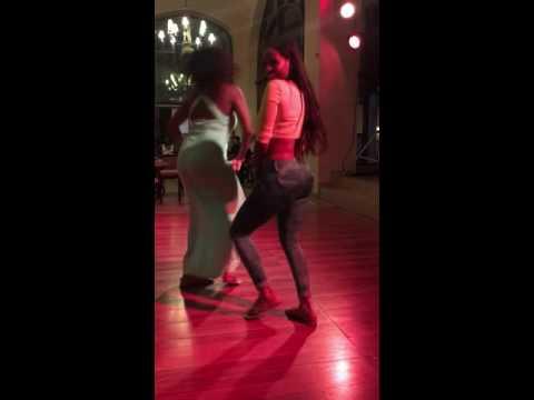 Carolina Catalino Bailando Quebradita
