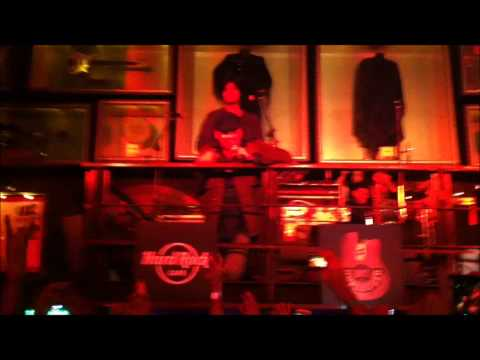 Jo Bhi Main *FULL* Mohit Chauhan Unplugged Hard Rock Cafe Bangalore...