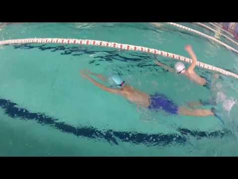 doskonalenie i nauka technik pływackich