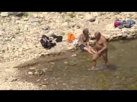 Boskamp lekker zwemmen in Frankrijk