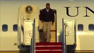 video Obama lost his footing temporarily while leaving his aircraft