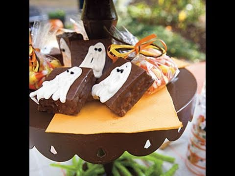Halloween Recipes: Ghost Cakes