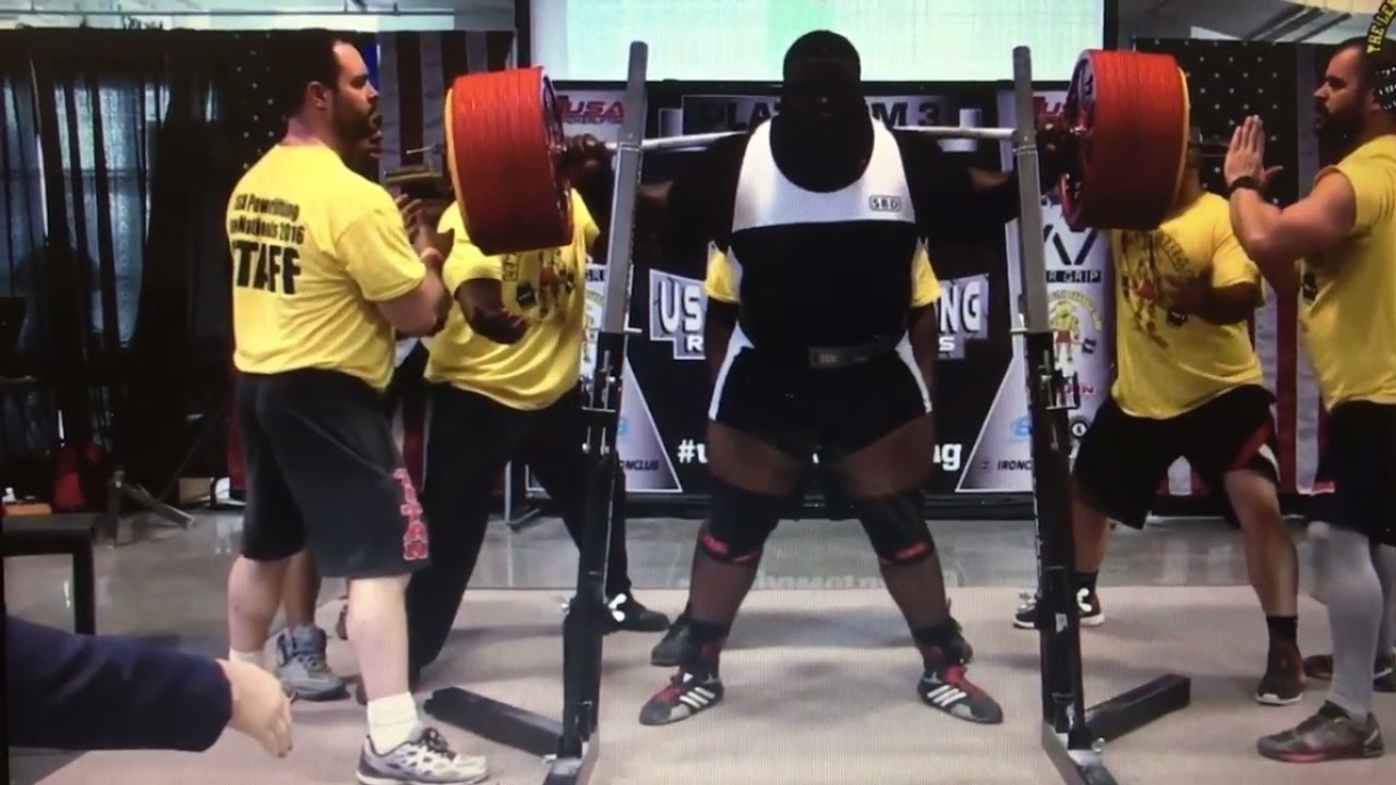 This Massive Human Being Just Set The World Record For Raw Squat At 1,005 Pounds