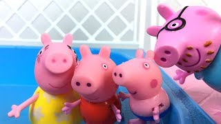 STORY WITH PEPPA PIG HER FAMILY  - THEY ALL GO TO THE POOL FOR A FUN DAY