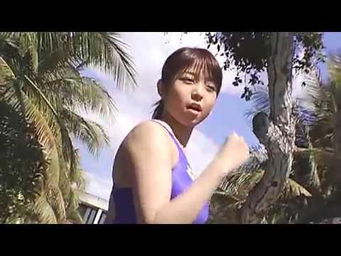 【中村静香グラビア動画】中村静香-競泳水着でプールで泳ぐ画像