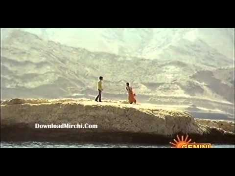Amala Paul Hottest Song-downloadmirchi.avi video
