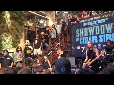 "Haim - ""Don't Save Me"" - SXSW 2013 - Showdown on Cedar"