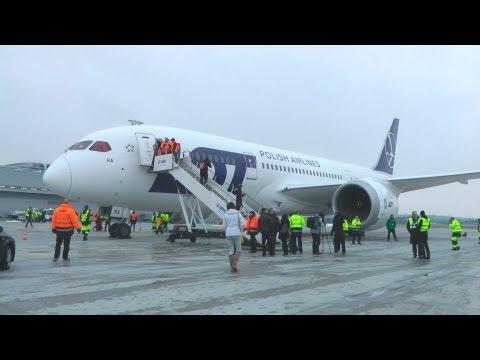 Dreamliner W Poznaniu | Boeing 787 Na Lotnisku Poznań - Ławica
