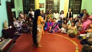 """Parvathy Baul performs """"Karuna"""" in Tiru"""