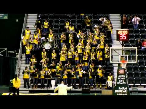 George Mason Green Machine Pep Band playing Beat It.