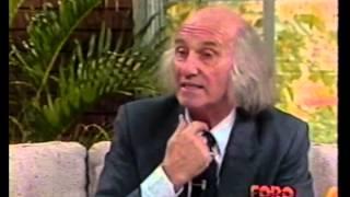 Gilberto Marcos en entrevista con Salvador Freixedo para su programa FORO