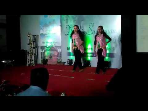 Ayalathe veetile Song dance performance Vineetha mahadevan & vineetha